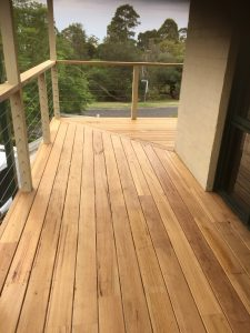 stringbark timber second floor balcony with railing in mt eliza suburb of melbourne