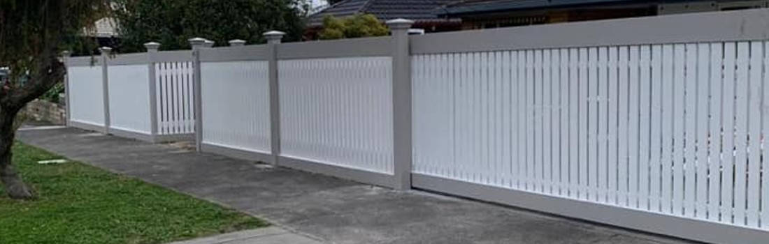 decorative fence with mirror in outdoor living backyard of home in melbourne