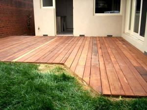 Timber decking alternating sizes of timber