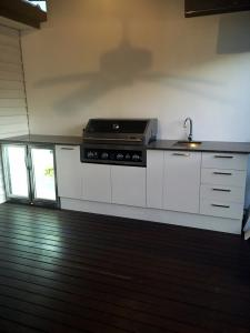 Granite top outdoor kitchen Moorabin